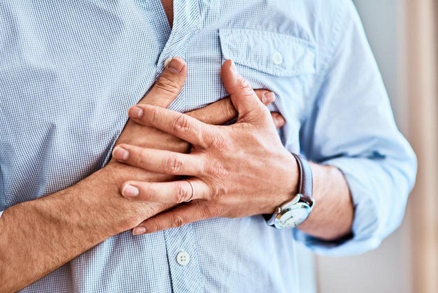 Боли в грудной клетке: причины и возможные заболевания